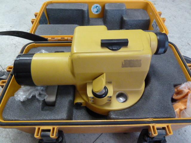 TOPCON トプコン オートレベル 測量機 AT-M3を買い取りしました!岡山店