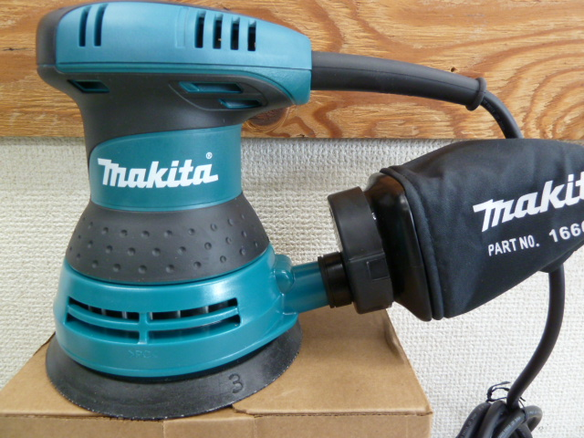 マキタ(Makita) ランダムオービットサンダ ペーパー寸法 125mm BO5030を買い取りしました!岡山店