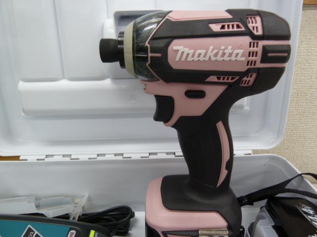 マキタ インパクトドライバTD138(14.4V)おしゃれなピンク 3Ahバッテリ2本・充電器付 TD138DRFXP を買い取りしました!岡山店