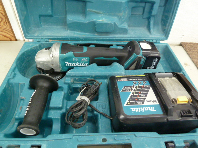 マキタ 14.4V 充電式ディスクグラインダー GA407DRGを買い取りしました!岡山店