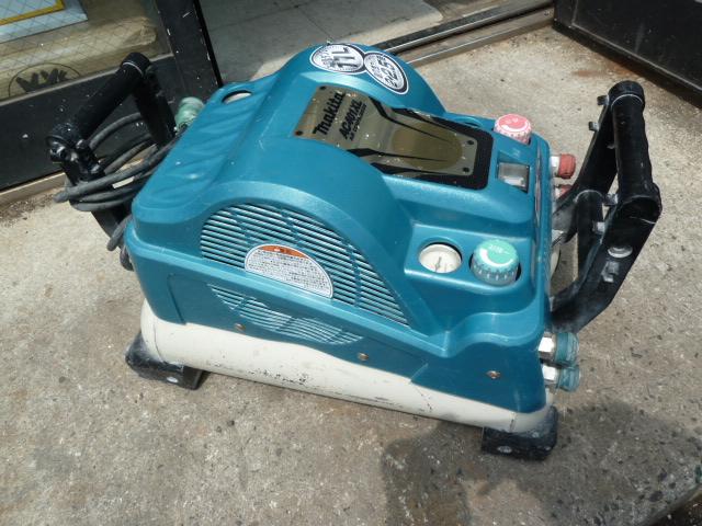 マキタ 高圧・一般圧エアーコンプレッサー AC401XL を買い取りしました!岡山店