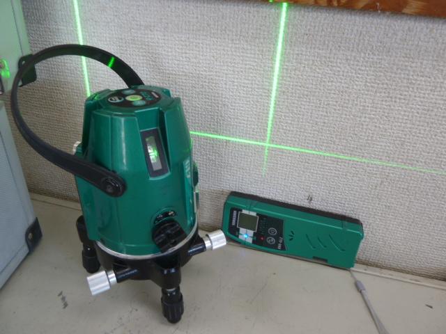 山真製鋸(YAMASHIN) グリーンレーザー墨出し器  GLZ-6 を買い取りしました!